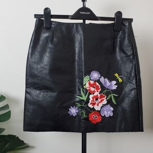Black skirt, faux leather, embroidered